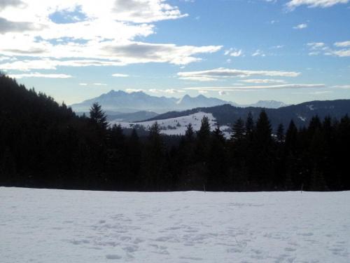 Tatry spod Huściawy #góry #pieniny #homole #wysoka #durbaszka