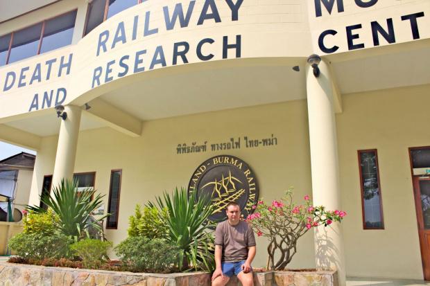"""Muzeum Kolei Tajsko-Birmańskiej w Kanchanaburi - w tym muzeum napis głosi """"Jeszcze nigdy życie tak wielu nie znaczyło tak niewiele"""". Naprawdę warto je zwiedzić #kwai #birma #muzeum #tajlandia #azja #Kanchanaburi"""