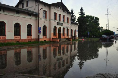 I po burzy...parking przed dworcem w Oliwie :)