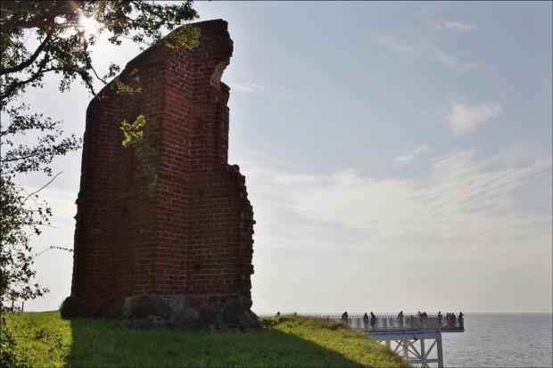 Trzęsacz i fajna strona o nim: http://www.wybrzeze-rewalskie.pl/atrakcje/ruiny.html #Bałtyk #morze #Trzęsacz