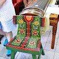 Piękne krzesełko, a w tle instrument, na którym grała gospodyni (w pekińskich hutongach) #Chiny