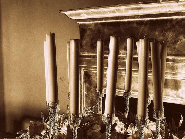 Świece i kominek. Zamek Książ w Wałbrzychu podczas XXVII Festiwalu Kwiatów i Sztuki - 30 kwietnia-3 maja 2015 r. #ZamekKsiąż #Wałbrzych #Książ #DolnyŚląsk #KsiążańskiParkKrajobrazowy